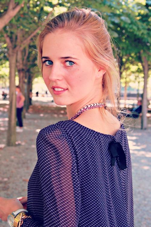 Eline au Jardin Edited 1